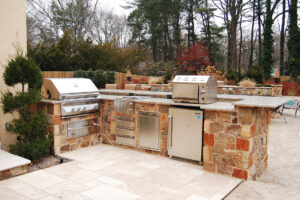 DiSabatino After _Wilmington, DE 19810- Outdoor Kitchen by DiSabatino Landscaping & Esposito Masonry