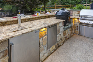 Glickman After_Bryn Mawr PA 19010 - Outdoor Kitchen by DiSabatino Landscaping & Esposito Masonry